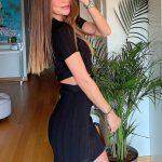 Ebru Şallı Düz Saç Stili
