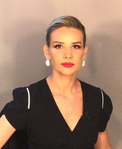 Esra Erol Kısa Saç Modeli