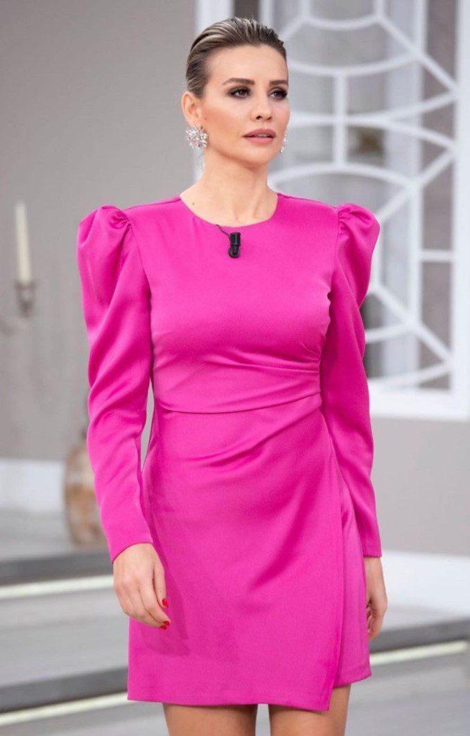 Esra Erol Pembe Elbise Modeli