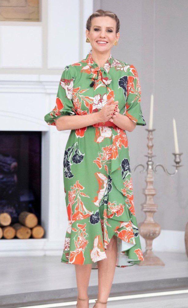 Esra Erol Yeşil Elbise Modeli