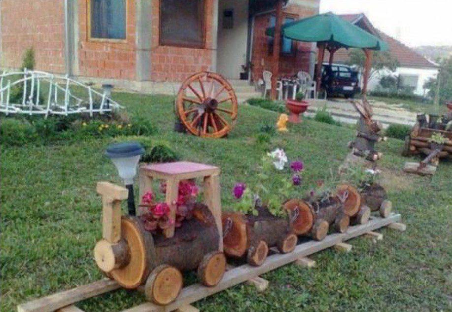 Bahçe Ahşap Tren Dekorasyonu
