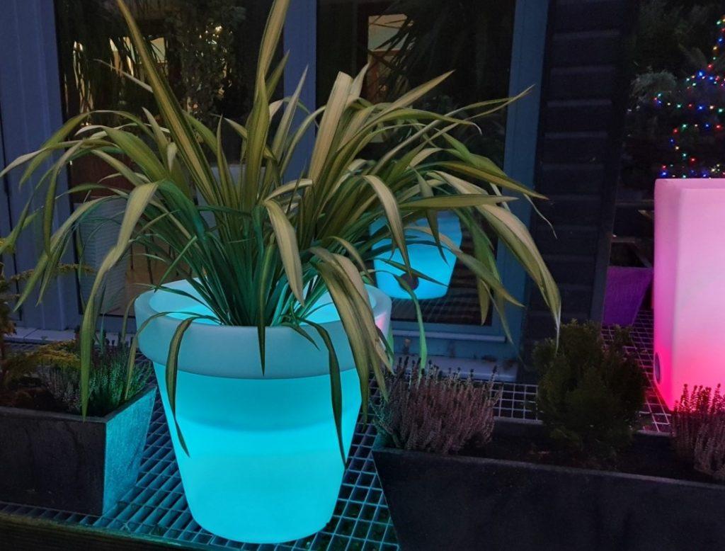 Bahçe Dekorasyon Led Işıklı Saksı