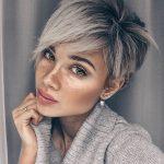 Boyalı Pixie Saç Modeli