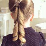 Kız Örgülü Saç
