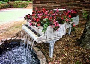 Piyano Şelale Bahçe Dekorasyon