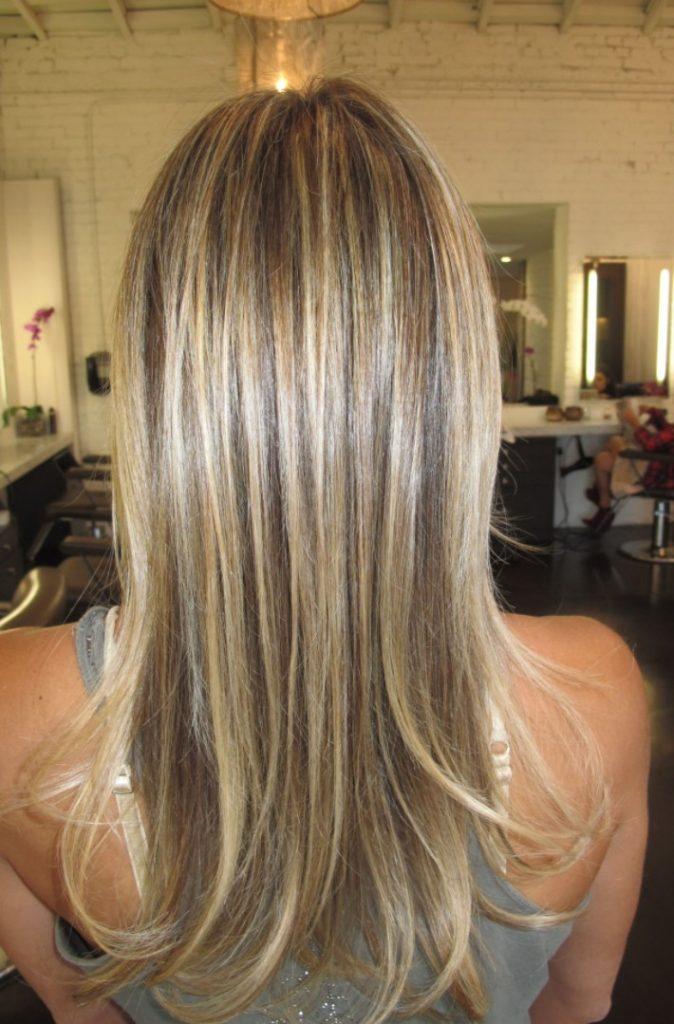 Açık Kum Beji Balyajlı Saç Rengi