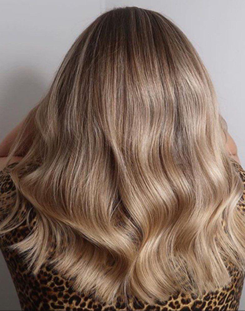 Açık Kum Beji Saç Stili