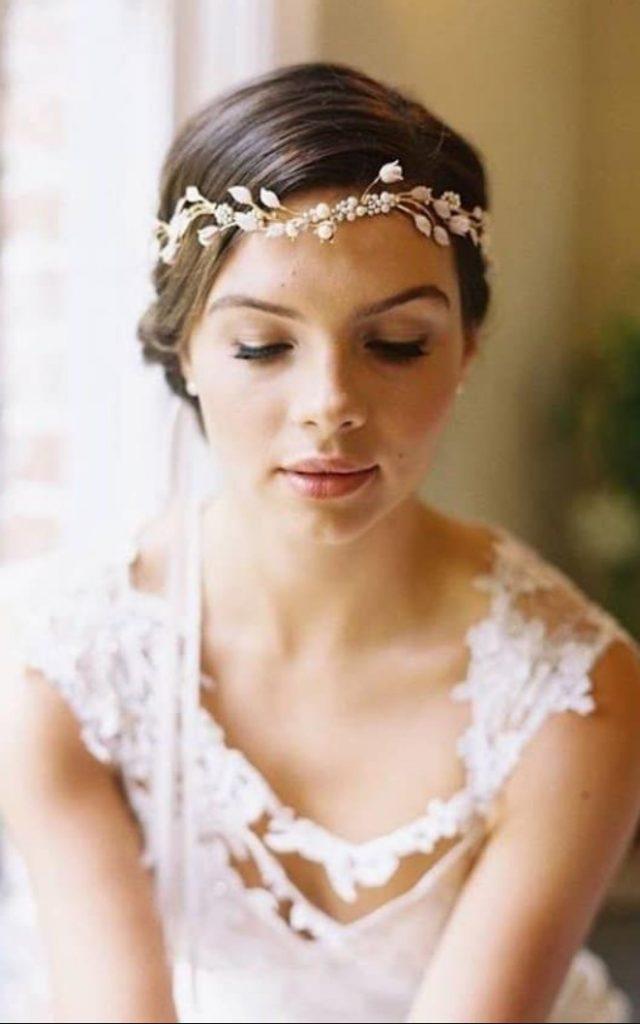 Gelinlik için Helen Tarzı Saç Modeli