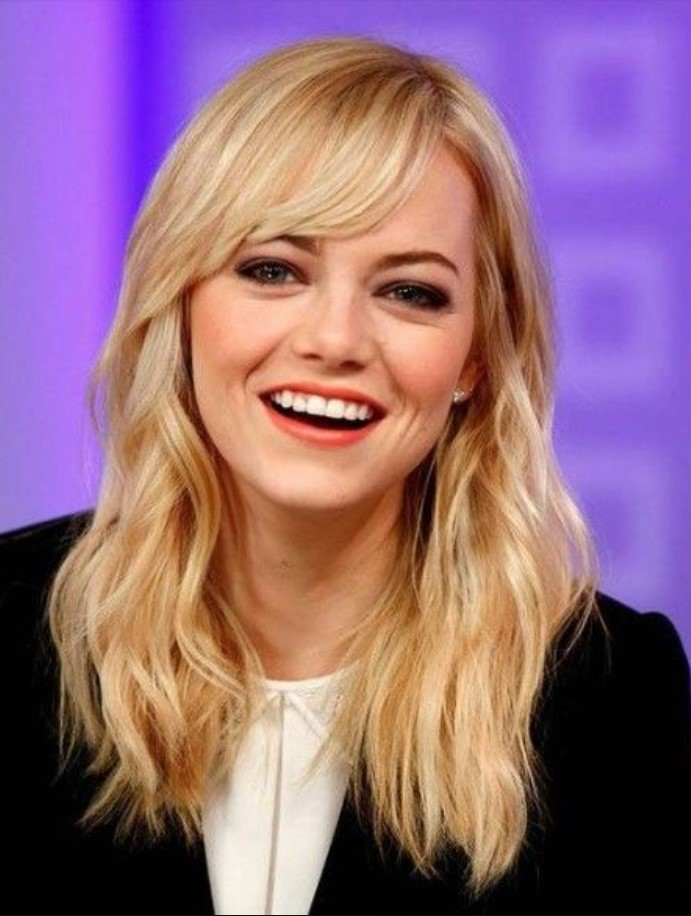 Emma Stone Side Bang Saç Kesimi