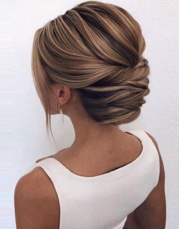 Farklı Stil Abiye Saç Modeli