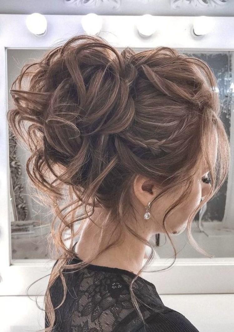 Gençler için Abiye Üstü Saç Modeli