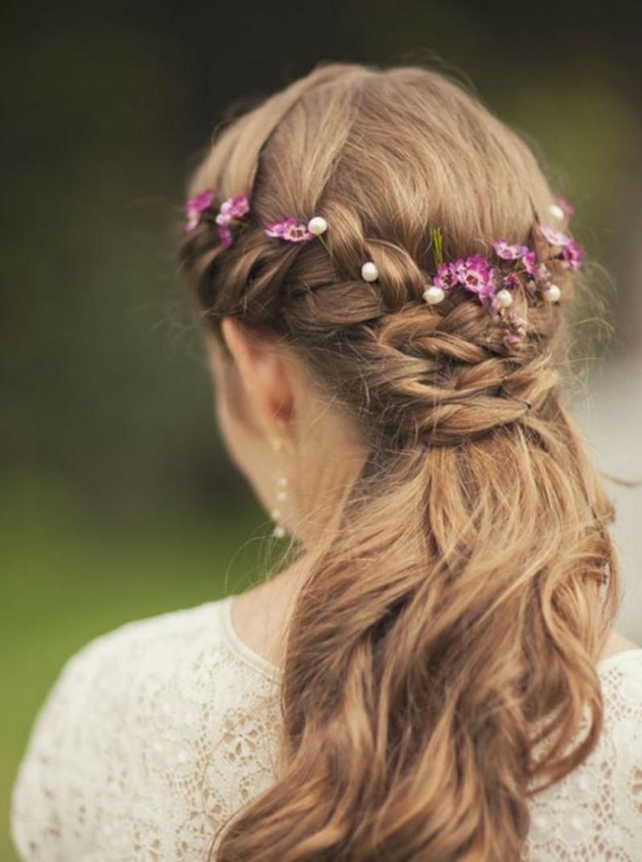 Kır düğünü saç modeli