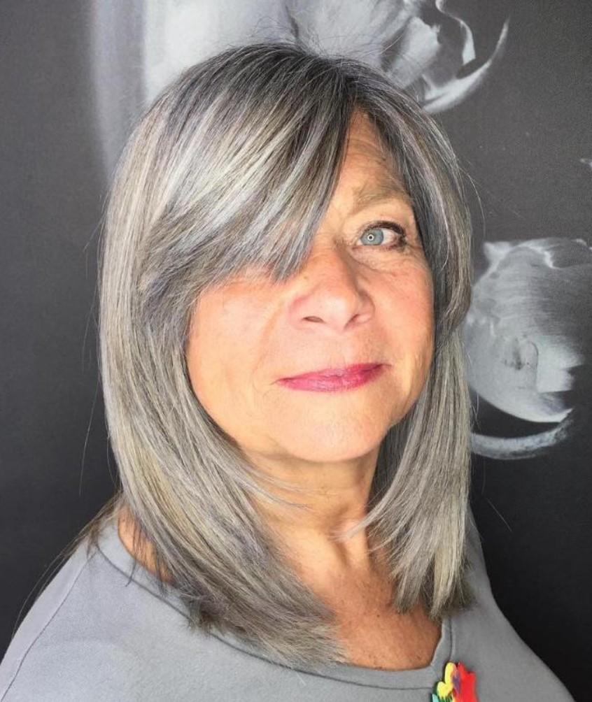 Orta Yaşlılar için Side Bang Saç Kesimi